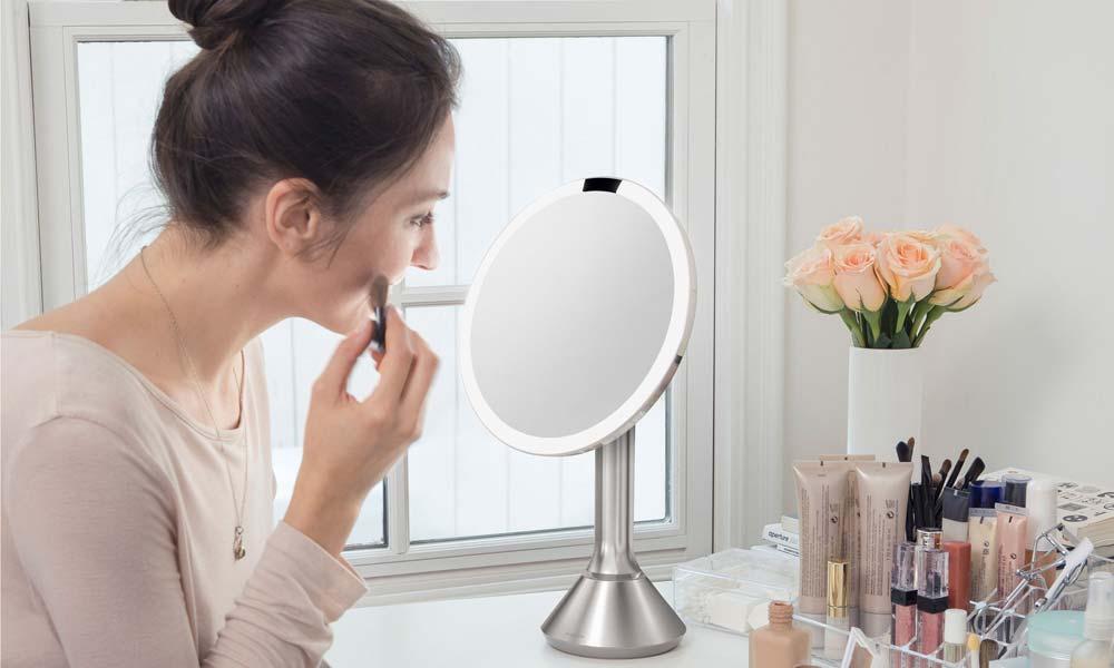 Simplehuman sensor mirror pop up shop看板