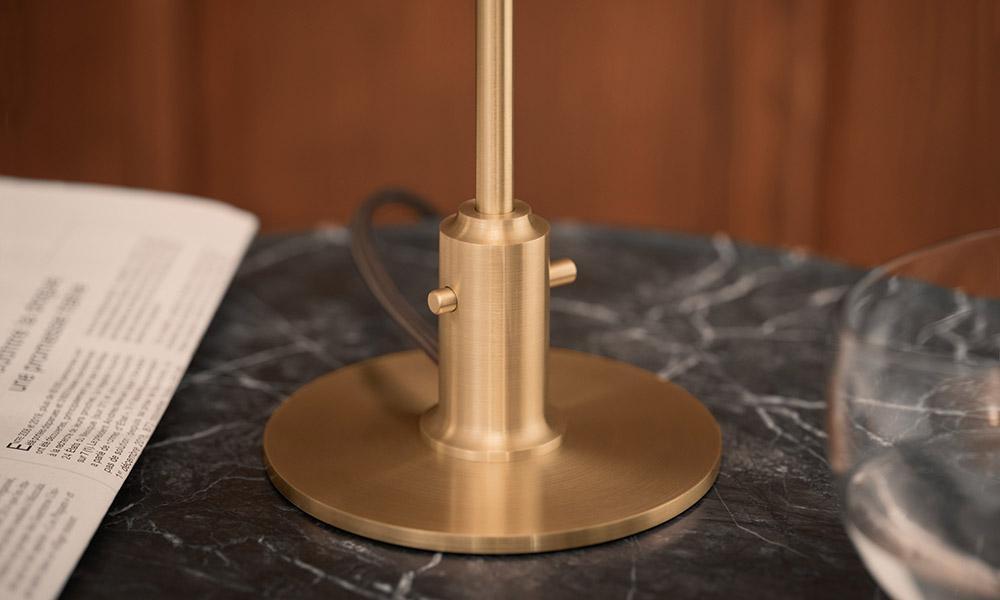 PH 2/1テーブルランプ