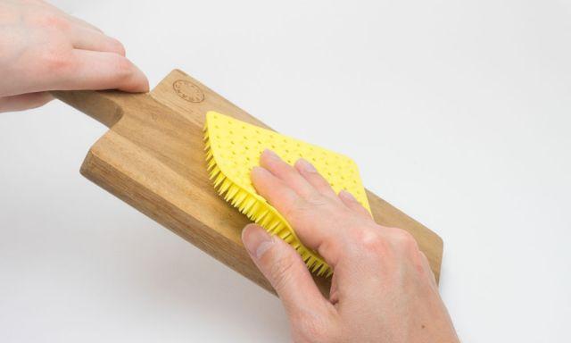 まな板洗いに。