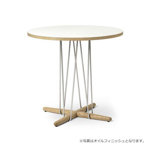 E020 エンブレイステーブル φ79.5cm ホワイト / オーク材 ラッカー塗装  (Carl Hansen & Son / カールハンセン&サン)