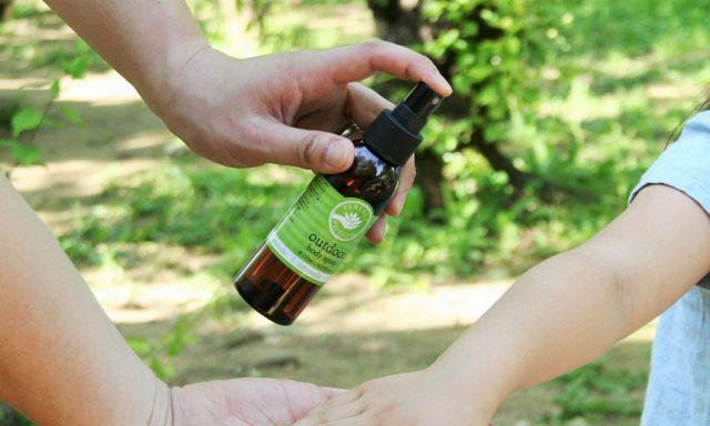 厳選した植物配合成分で敏感肌の方やお子様にも安心してお使い頂けます。