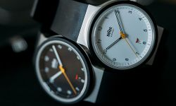 腕時計 / Watch
