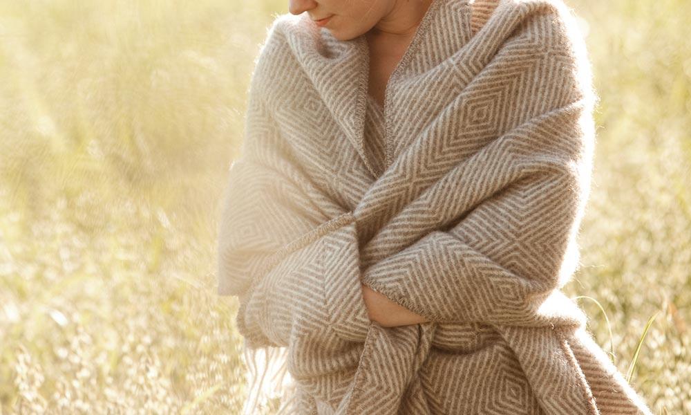 いつでもどこでもパッと羽織って暖かな冬を。