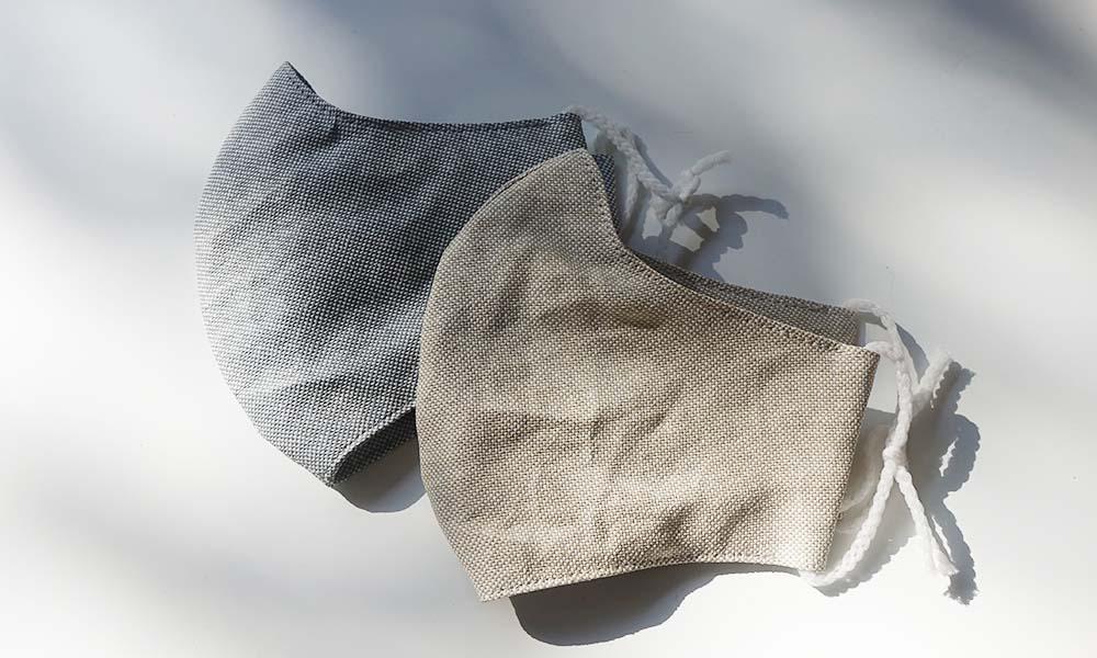 外側と内側にささ和紙生地、中に不織布を挟み込んだ3層のマスク